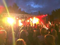 Never seen @Herm Island so busy, top gig with @Robert Game last night! pic.twitter.com/U6sZCXAfIp