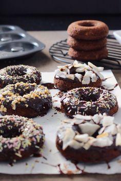 Donuts de café com chocolate, perfeito pra hora do café, ou pra hora da sobremesa (chocolate).
