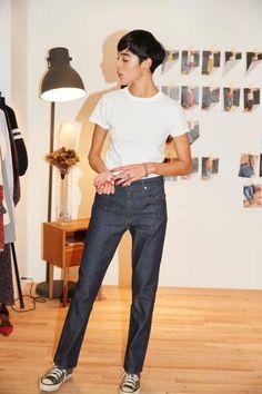 Pin on item Pin on item Denim Fashion, Fashion Pants, Womens Fashion, Cool Style, My Style, Daily Look, Daily Style, Daily Fashion, Mom Jeans