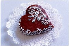 Lace cookie.Part3. CookieCon2015.Wedding heart cookie. - YouTube Sugar Cookie Royal Icing, Sugar Cookies, Cookies Et Biscuits, Cookie Icing, Lace Cookies, Heart Cookies, Valentine Cookies, Christmas Cookies, Valentines