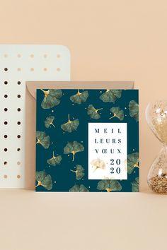 Craquez pour l'élégance du Ginkgo sur votre Carte de Voeux pour souhaiter la bonne année ! Modifiez notre message de bonne année suggéré, ajoutez une photo ou un logo, choisissez votre papier et enveloppe : et le tour est joué ! Vous voilà avec une Carte de Voeux élégante et unique prête à souhaiter de meilleures voeux en toute sincérité. #voeux2020 #cartedevoeux #bonneanne #nouvelan #voeuxprofessionnels Web Design, Global Design, Book Design, Happy New Year 2016, Happy New Year Cards, Wall Sticker, Wall Decals, Happy New Year Message, World Map Wall Art