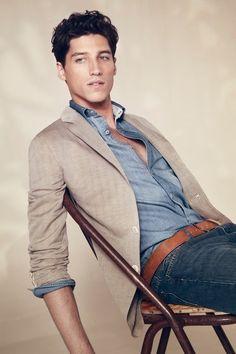 Jeans, sport coat, blue button down, super casual