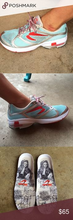 Women's Newton Gravity Gently worn women's Newton gravity lightweight running shoes. Small area on the heel where glue can be seen other then that they're in almost perfect condition. Aqua and silver. Women's size 9 Newton Shoes Athletic Shoes