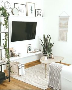 5 Steps Small Living Room Decor Ideas Home pint Minimalist Living Room Decor Home Ideas Living pint Room Small steps Condo Living Room, Small Apartment Living, Small Living Rooms, Living Room Modern, Living Room Interior, Tv On Wall Ideas Living Room, Tv Room Small, Small Livingroom Ideas, Living Room With Plants