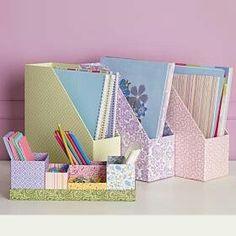 Crie suas caixas organizadoras com caixas de cereais e tecidos. Funcionais e muito charmosas...