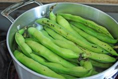 How to Shell Fava Beans Popsugar Food, Fava Beans, Shells, Banana, Fruit, Eat, Conch Shells, Seashells, Sea Shells