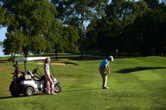 高尔夫在澳洲是非常平民的运动,学习挥杆吧!就在学校的附近哦。 Student Travel, Golf Carts, Shanghai, Newspaper, Students, Australia, Park, Journaling File System, Parks