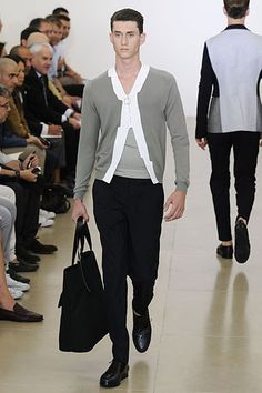 See the complete Jil Sander Spring 2009 Menswear collection.