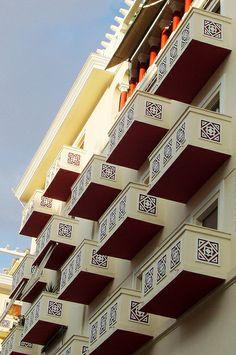 Θεσσαλονίκη / Cubic symmetry at Thessaloniki Beautiful Islands, Beautiful Places, Zorba The Greek, Macedonia Greece, Greek Beauty, Athens, Around The Worlds, Europe, Nymph