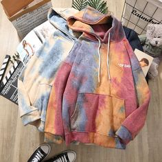 Cute Comfy Outfits, Sporty Outfits, Retro Outfits, Cool Outfits, Fashion Outfits, Trendy Hoodies, Cool Hoodies, Tie Dye Sweatshirt, Sweater Hoodie