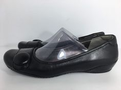 ECCO BLACK LEATHER FLATS WOMENS SHOES BUTTON SIZE 39/8.5 EXCELLENT CONDITION  | eBay
