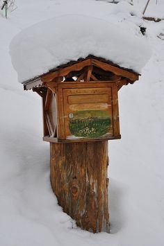 Boîte aux lettres enneigée  #TuscanyAgriturismoGiratola