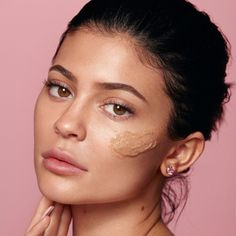 Shop our Walnut Face Scrub on Kylie Skin by Kylie Jenner. The Walnut Face Scrub is a gentle exfoliator packed with anti-inflammatory ingredients and skin-smoothing fruit extracts that buff away dead skin cells to reveal a soft, radiant complexion. Kylie Jenner Fotos, Kylie Jenner Face, Mcdonalds, Kylie Cosmetic, Facial Scrubs, Radiant Skin, Face Wash, Beauty Hacks, Makeup Eyes