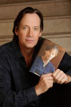 Invisible disabilities award for Kevin Sorbo