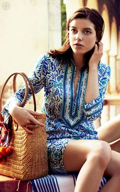 Love a tunic dress in a colorful pattern (thefullerview: via Pinterest)