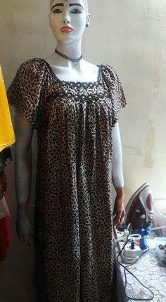 Dress Neck Designs, Saree Blouse Designs, Abaya Fashion, Fashion Dresses, Arabic Dress, Kurta Neck Design, Moroccan Dress, Classy Dress, African Dress