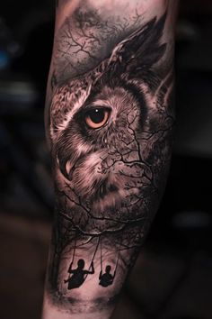 50 of the Most Beautiful Owl Tattoo Designs and Their Meaning for the Nocturnal Animal in You - awesome owl tattoo ideas © tattoo artist 𝕵𝖔𝖘𝖊 𝕮𝖔𝖓𝖙𝖗𝖊𝖗𝖆𝖘 Jos - Best Sleeve Tattoos, Tattoo Sleeve Designs, Tattoo Designs Men, Body Art Tattoos, Owl Eye Tattoo, Owl Tattoo Drawings, Art Drawings, Wald Tattoo, Realistic Owl Tattoo
