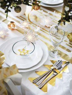 Une déco de table de Noël en or