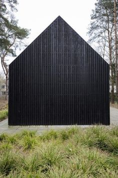 Scandinavian Architecture, Wood Architecture, Architecture Details, Black House Exterior, Interior Exterior, Wooden Pavilion, Wooden Cladding, Modern Barn House, Exterior Cladding