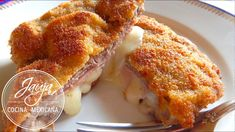 Milanesas Rellenas de Jamón y Queso - YouTube Meet Recipe, Relleno, French Toast, Deserts, Easy Meals, Beef, Cooking, Breakfast, Choices