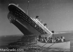 www.titanicwiki.com  Titanic sinking Real life picture