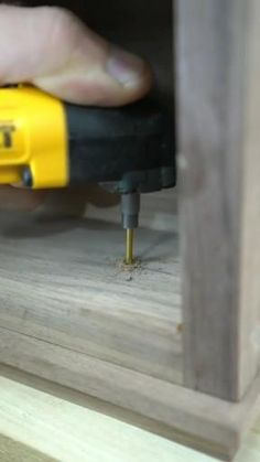 Woodworking Lessons, Woodworking Projects That Sell, Woodworking Techniques, Woodworking Plans, Diy Projects Plans, Diy Wooden Projects, Wooden Diy, Joinery Details, Wood Joints