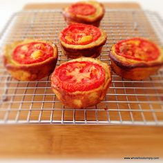 Mini quiche - many ways Quick, easy and delicious mini quiches. Made from 2 wholefood ingredients. Free from dairy, gluten and grains. Cookbook Recipes, Whole Food Recipes, Cooking Recipes, Dairy Free Recipes, Low Carb Recipes, Gluten Free, Clean Breakfast, Paleo Breakfast, Savory Snacks