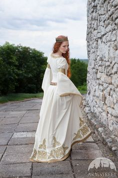 "White Velvet Wedding Dress by ArmStreet. Dress is inspired by ""The Accolade"" painting by Edmund Leighton. Great dress for SCA or Renaissance Faire event, medieval wedding or costume party. High-quality materials, handmade embroidery and Swarovski crystals Medieval Dress, Medieval Costume, Medieval Fashion, Medieval Clothing, Gypsy Clothing, Renaissance Costume, Vestidos Velvet, Bridal Gowns, Wedding Gowns"