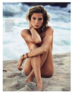 Daria Werbowy stars in this editorial from the July 2013 issue of Vogue Spain. Photographed by Patrick Demarchelier, the beach themed shoot was styled by Belén Antolin and sees Daria in natural and nude looks that show off the summer's most wearable jewellery.