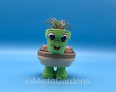 Little Turtle – Mini Air Plant Holder y Trinket Box con Planta - Modern Unicorn Farts, Flower Pot People, Painted Clay Pots, Air Plant Display, Outdoor Pots, Clay Pot Crafts, Mini Plants, Terracota, Packing