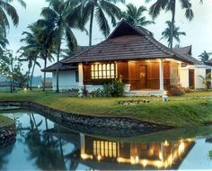 Ideas farmhouse plans traditional porches for 2019 Village House Design, Kerala House Design, Village Houses, Farm Houses, Kerala Traditional House, Traditional Porch, Kerala Architecture, Kerala Houses, Indian Homes