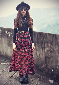 Layering for fall. Long print skirt (can hide leggings when it gets cold), cozy sweater, boots. I would play with brighter, bolder patterns and colors tho (obviously. Grunge Style, Hippie Grunge, Grunge Goth, Boho Hippie, Hippie Outfits, Edgy Outfits, Cute Outfits, Fashion Outfits, Grunge Fashion
