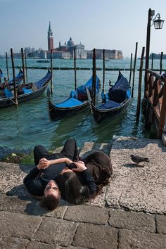 Steve McCurry - It Takes Two, Venice, Italy ...