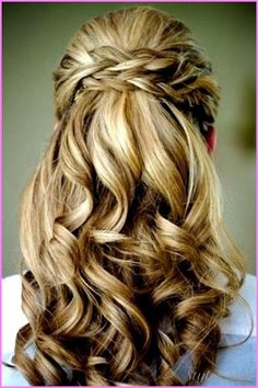 nice Bridesmaid hairstyles half up half down
