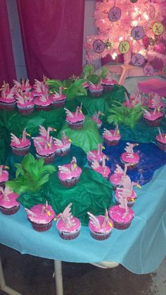 Flamingo Cupcake Display