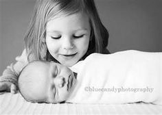 newborn sibling pic gotta do this one day with the kids
