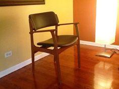 Chicago: mid century danish modern accent chair $100 - http://furnishlyst.com/listings/716366