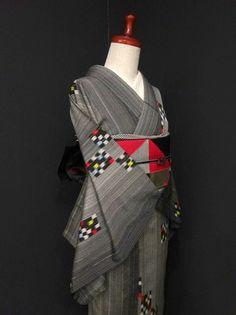 ■ガールズ■レトロ!!グレーグラデ*カラフルスクエア♪縫い取りお召し 正絹単衣 裄62丈153 - アンティーク着物や現代着物なら雅星本店