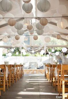White and gray paper lanterns, is a super combi at your wedding!  Witte en grijze lampionnen, een super mooie combi om je feest mee te decoreren.   #lampion #bruiloft #decoration #styling #bruiloft #romantic #wedding #weddingideas #weddinginspiration #trouwen #huwelijk #event #events #horeca #feest #party #happy #bride #lampionnen  Bruiloftsborden, huwelijks ideeën, hangende lantaarn Fete de mariage decoration Heiraat dekoration  Lanternes en papier