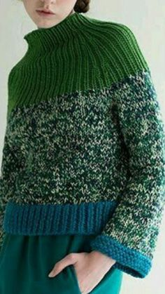 ------Sfilata Im Isola Ma Pullover Outfit Knitwear Fashion, Knit Fashion, Knitting Designs, Knitting Projects, Recycled Sweaters, Hand Knitting, Knitting Needles, Ideias Fashion, Knitting Patterns