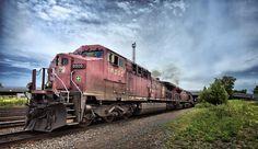 Train - Montréal by Bernard Savard on 500px