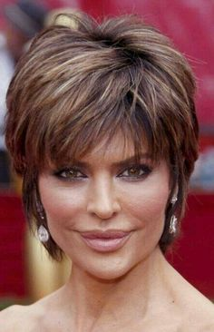 Lisa Rinna - I always liked this cut! Short mature cut with subtle highlights/lowlights and choppy bangs!A collection of the more mature hairstyles of Lisa Rinna. Lisa Deanna Rinna (born July is an American actress. Short Shaggy Haircuts, Shaggy Short Hair, Short Shag Hairstyles, Mom Hairstyles, Stacked Hairstyles, Pixie Haircuts, Layered Haircuts, Lisa Renna Hairstyles, Hairstyle Short