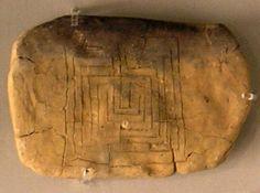 Los arqueólogos han descubierto un laberinto en la India que se remonta a hace 2.000 años y sigue un patrón similar a los que se encontraron grabados sobre tablillas de arcilla en Pylos, Grecia, datad