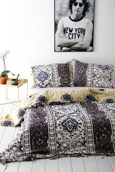 31 Bohemian Bedroom Ideas. Killer inspiration for DIY bedroom decor.