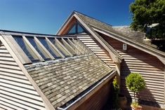 Recycled Cornish slate roof laid traditionally in diminishing courses