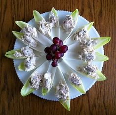Glutenfree Saucy Mama Honey Mustard Chicken Salad in Endive Cups Snack Recipes, Snacks, Yummy Recipes, Honey Mustard Chicken, Best Gluten Free Recipes, Appetizer Dips, Fabulous Foods, Creative Food, Chicken Salad