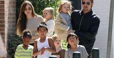 Família Pitt-Jolie prefere viagens a presentes para as festas de fim de ano - Angelina Jolie e Brad Pitt preferem levar os filhos para viajar e conhecer um novo lugar a enchê-los de presentes no Natal