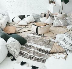 Now this would be a great girls night space!