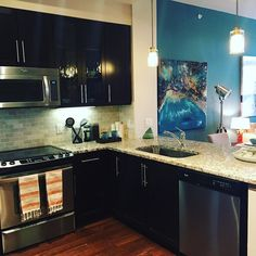 Need to move? This #WestVillage property has a studio for 527 square feet going for $1225 a month! Don't miss out on this killer deal! Call or text for more information 972-515-9123  Kristi #Dallas #DallasTX #downtown #DallasLife #DallasApts