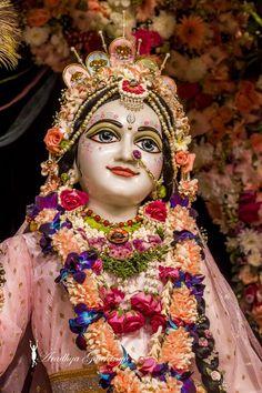 Radha Krishna Images, Lord Krishna Images, Radha Krishna Photo, Krishna Photos, Krishna Art, Shree Krishna, Krishna Lila, Cute Krishna, Krishna Bhagwan